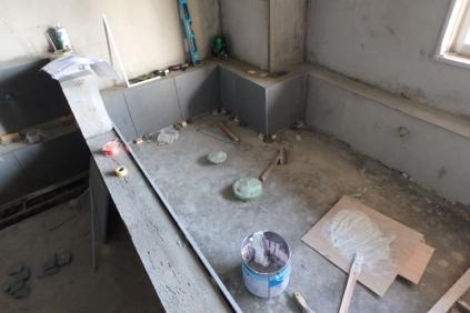 浴室浴槽石張り